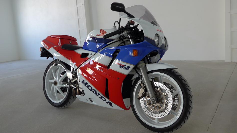 Honda VFR 400 R - NC 30